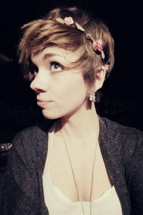 how short to cut the back crown pixie cut flower crown edgy hippie hairstyles