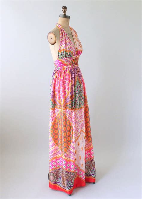 Maxi Suly Tanpa Pashmina 1 vintage 1970s scarf print halter maxi dress and shawl raleigh vintage