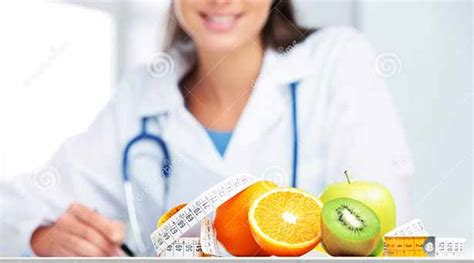 Consulting With A Registered Dietitian by Nutritionist Courses In India Top Colleges To Become