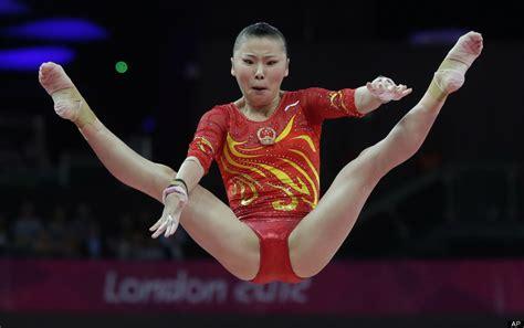 gymnast leotard rips olympic gymnastics chions injured artistic gymnastics