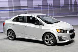 2014 chevrolet sonic rs front three quarters photo 20