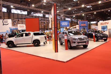 isuzu stand   cv show  commercial vehicle dealer