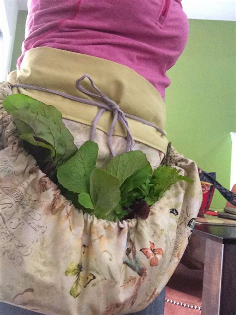 free pattern garden apron garden harvesting apron at the water s edge