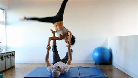 acro yoga tutorial ninja star acroyoga training video ninja star calibrations the