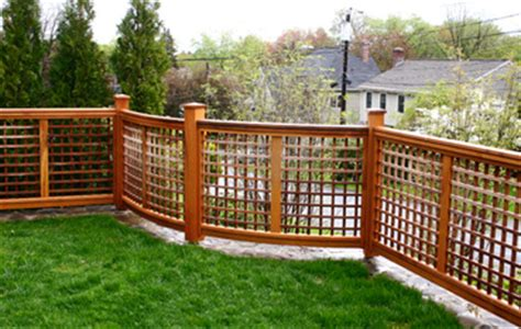 lattice fence curved panel  cf  trellis structures