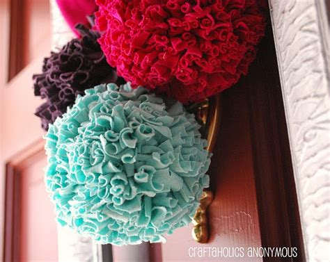 learn how to make pom poms and craft decorative items from them t shirt pom poms