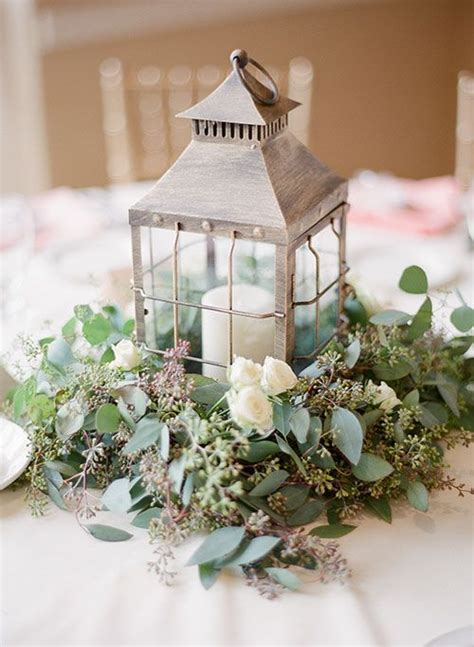 small candles for wedding tables 31 chic lantern wedding centerpieces you ll like