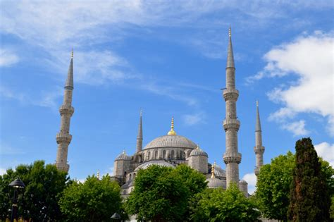 Mousque Drees the blue mosque dress code and tips for entry atlas boots
