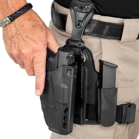 gun and knife holster 25 best ideas about drop leg holster on