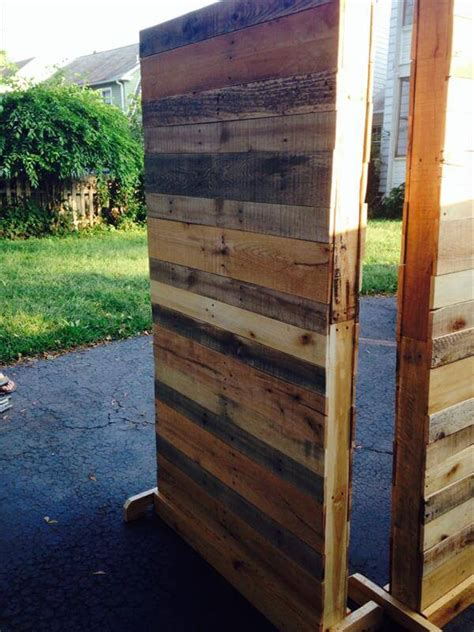 Pallet Room Divider Partition Walls And Wooden Pallets On Pinterest