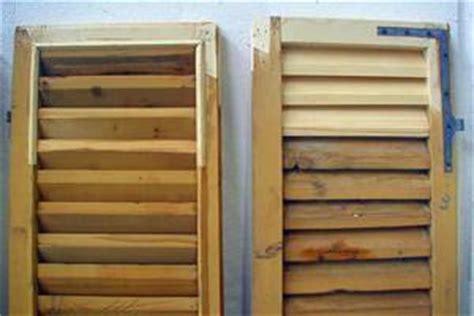 riverniciare persiane in legno come riverniciare gli infissi