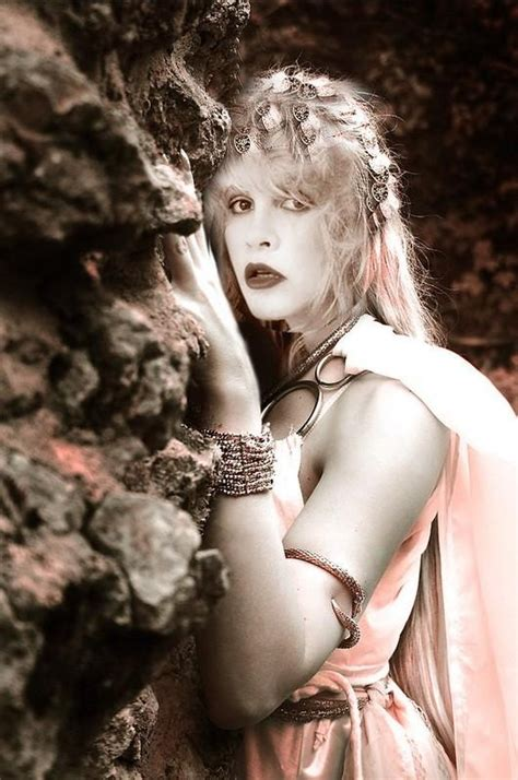 Lk Zalfa Pink Syari 189 best images about stevie nicks on tambourine go your own way and stevie nicks