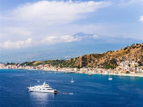 naxos giardini taormina yacht anchorages in the bay of taormina sicily