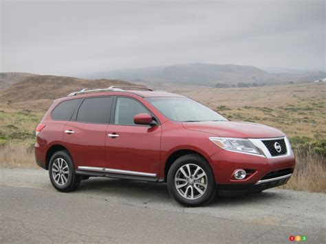 nissan car 2013 2013 nissan pathfinder car reviews auto123