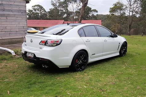 holden commodore logo review biante 2016 holden commodore ss v redline