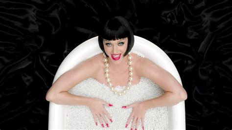 katy perry bathtub we can t stop staring at these gifs of katy perry s this