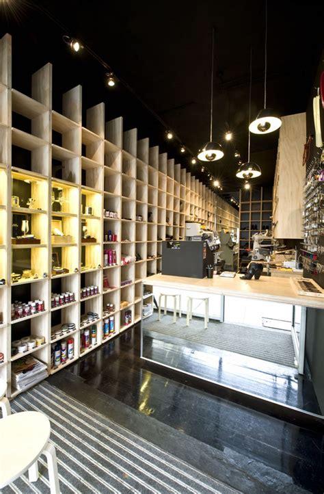Designer Len Shop by Continuous Wall 187 Retail Design