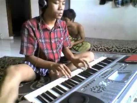 Keyboard Dangdut latihan organ dg lagu pertemuan vidoemo emotional unity