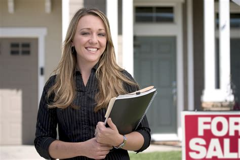 why you should become a real estate agent after university why use a realtor 174 realtor com 174
