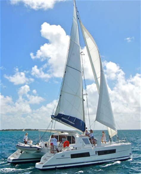 en catamaran definition la p 234 che en bateau en catamaran ou trimaran