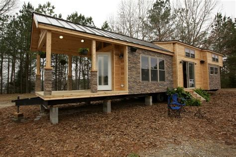 Fyi Network Tiny House Nation 400 Sq Ft Vacation Home Tiny Houses Fyi