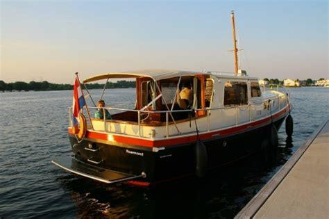 boot te koop roermond leren motorboot varen in limburg arrangement event store