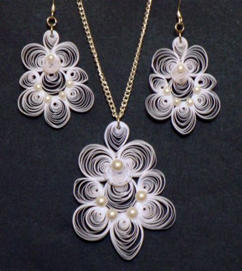 quilling necklace tutorial 1000 images about quilling bijoux on pinterest earring