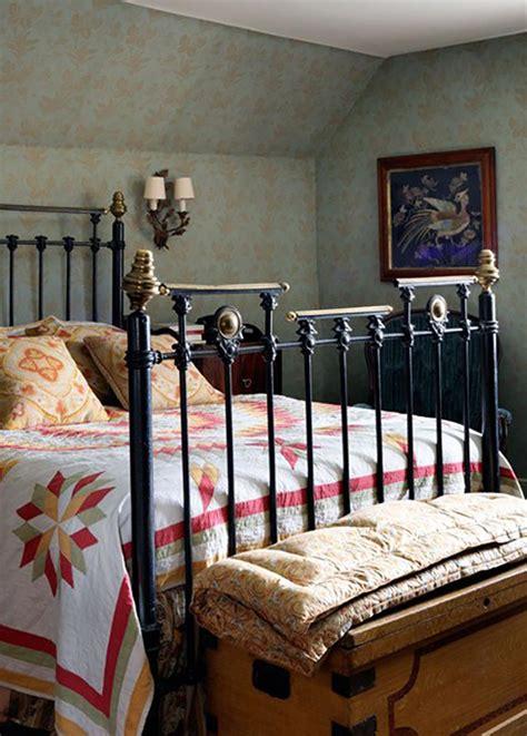 cottage bedroom decor chambre rustique pour des vacances bucoliques design feria