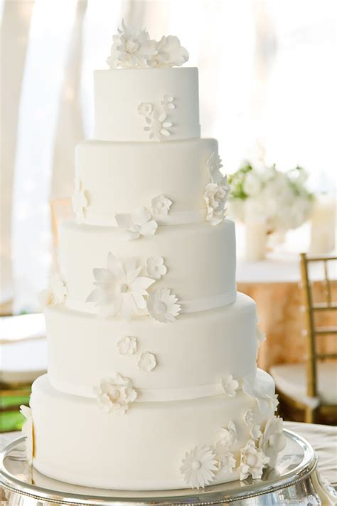 color inspiration fresh white and ivory wedding ideas modwedding