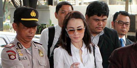 rio reifan kembali tertangkap polisi terkait kasus narkoba artis cantik jennifer dunn kembali tertangkap karena kasus