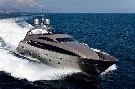 yacht spot супер яхта isa 120 sport каталог ruyachts