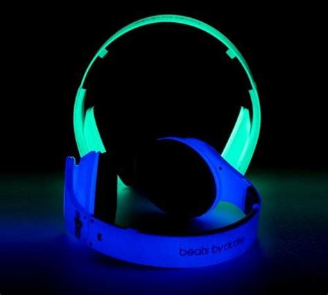 Glow Headphone beats by dre glow in the awesome glow beats by dre and the o jays