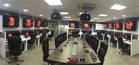 Lu Projector Brio christie technologie optimise la salle de contr 244 le de la compagnie de services p 233 troli 232 re