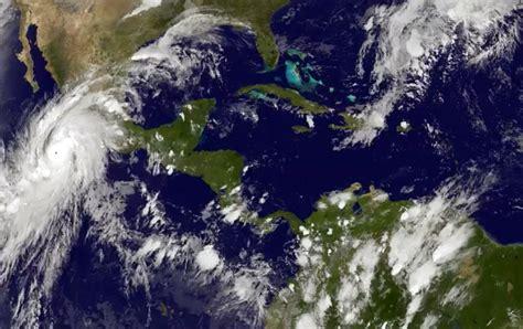 imagenes satelitales del huracán patricia category 5 hurricane patricia nears mexico s pacific coast