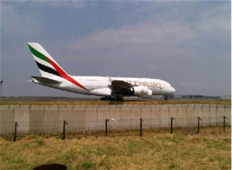 emirates johannesburg flight africa blog photos emirates a380 landing at or