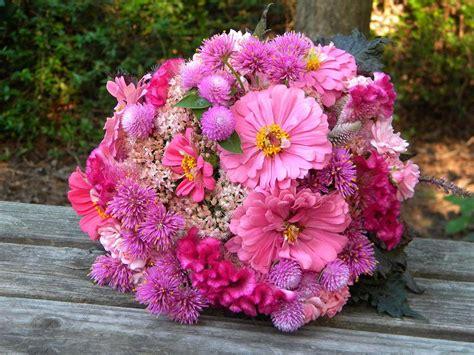 gorgeous pink summer wedding flowers ipunya