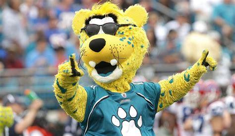 jacksonville jaguars mascot help jaxson become the most awesome mascot