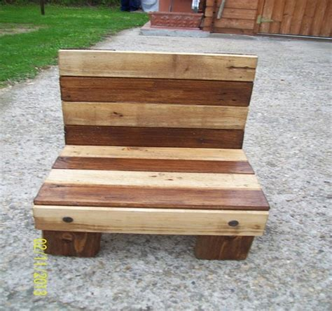 Pallet Chair Plans by Pallet Chairs Plans And Ideas Pallet Ideas Recycled