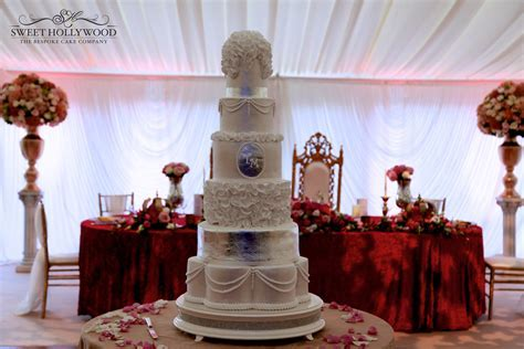 Luxury Wedding Cake @ Eastnor Castle   Sweet Hollywood
