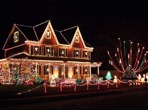 christmas decorated houses christmas decorations festive holiday house image