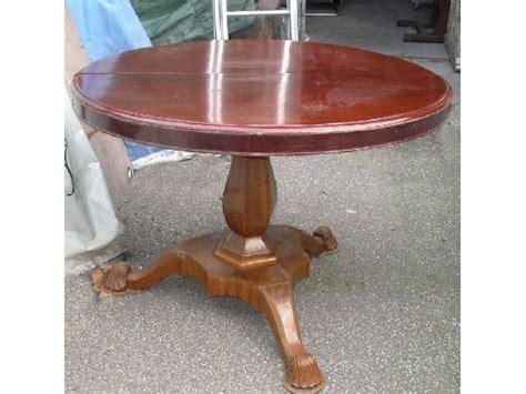 tavoli d epoca tavolo base in massello di noce d epoca top tondo