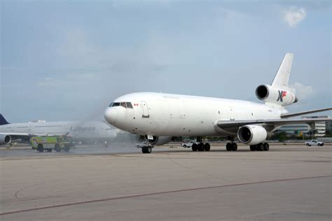 miami welcomes kf cargo for south american charter flights air cargo week