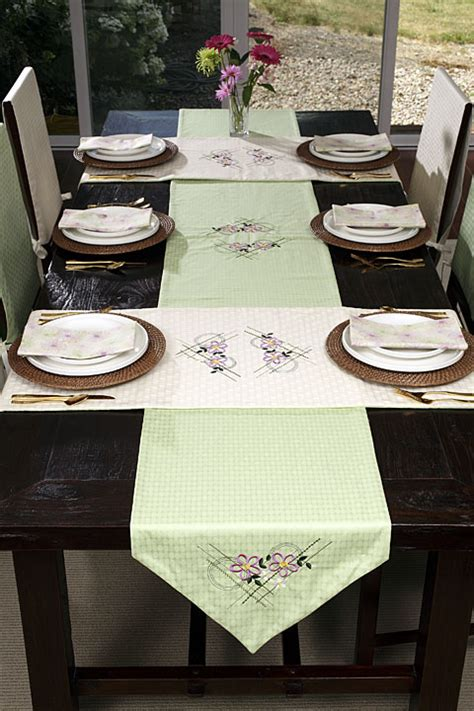 Dining Table Runners Projects Horizon Memory Craft 12000 By Janome