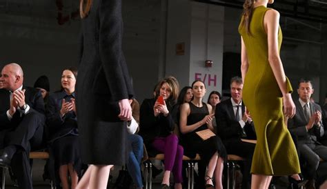 fashion week courbes chez boss abstraction pour proenza