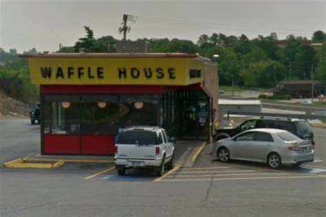 waffle house arkansas felonious waffle house customer arrested for tossing guns in the trash eater