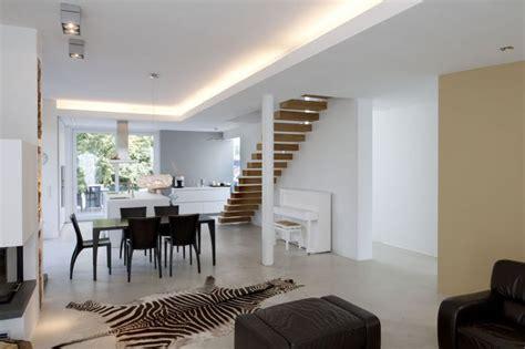 gerade treppe im wohnzimmer 11 best images about k 252 che esszimmer on led
