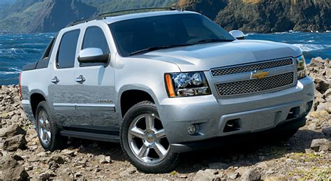 2010 chevrolet overview cargurus 2010 chevrolet avalanche overview cargurus