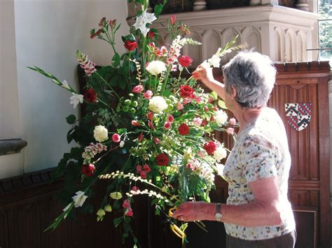 arranging flowers st nicolas cranleigh flower arranging
