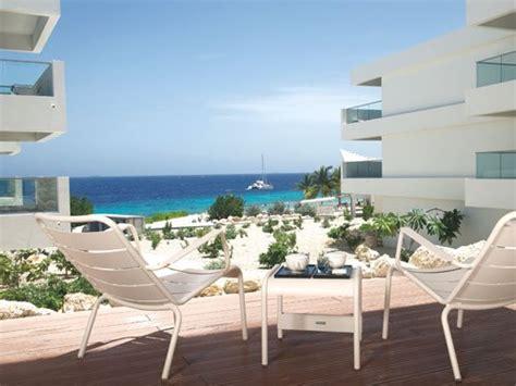design house curacao papagayo beach hotel de wereld is kras