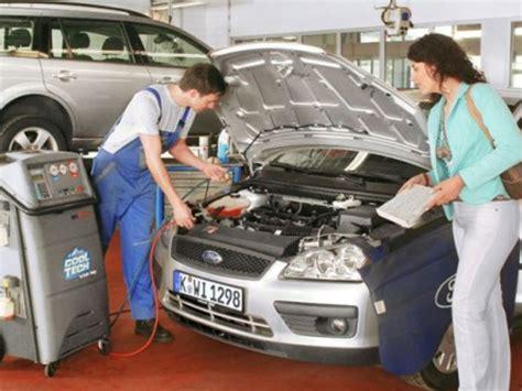 Klimaanlage Auto Wartung by Klimaanlage Im Auto Benzinsparend Verwenden Auto Motor